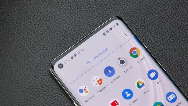 OnePlus 8 & OnePlus 8 Pro Launched: Display